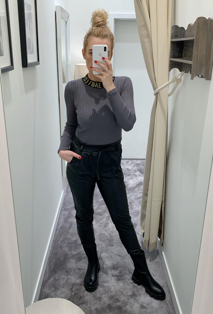 Spodnie z eco skóry z wysokim stanem