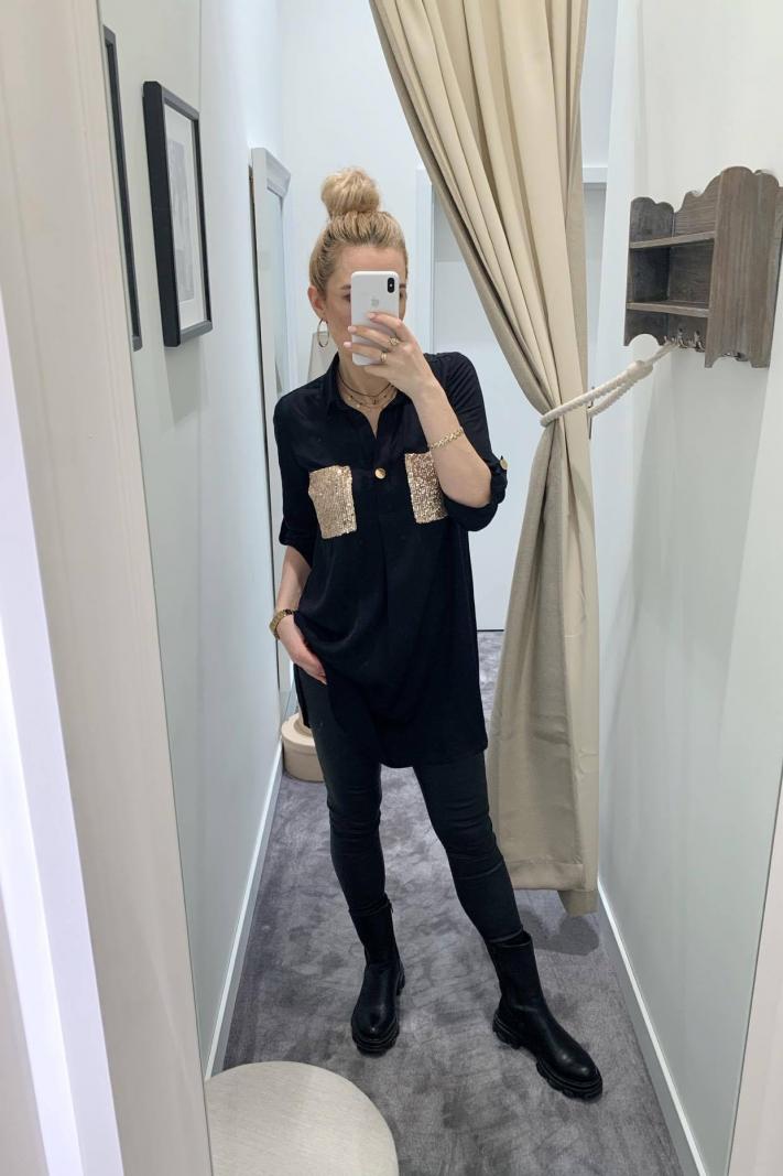 Koszulowa sukienka z cekinowymi kieszonkami